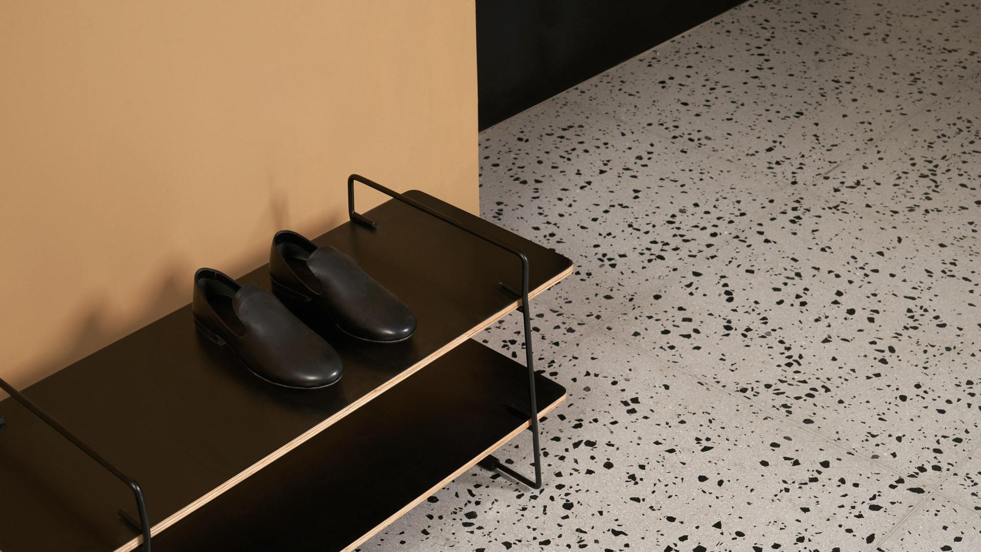 不占空间,应季鞋履规整有序