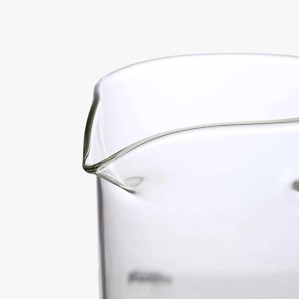 鹰嘴壶口设计<br/>出水顺畅不滴漏