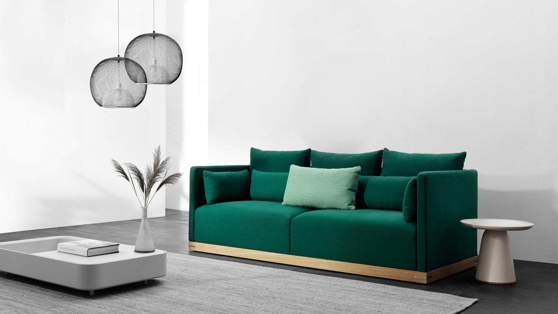 一个主沙发,为客厅宽适定调