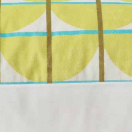 紧密缝边,内侧三针五线包边工艺,内外均无脱线