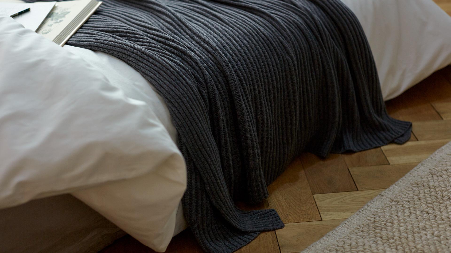 沉静夜灰,留给卧室的安睡色