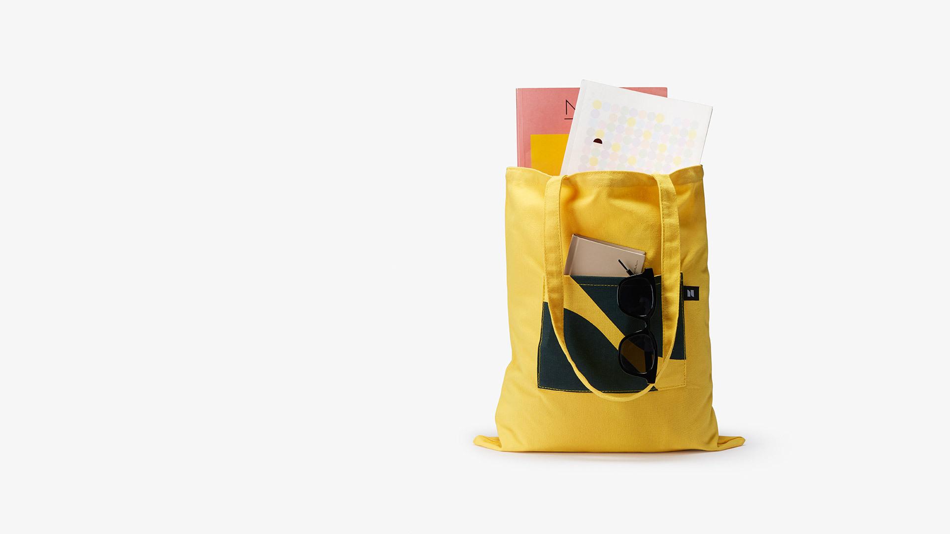 主副两袋大容量<br/>合理区分日常用品