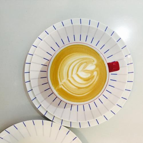 造作镜线西班牙瓷土餐具组精选评价_tong