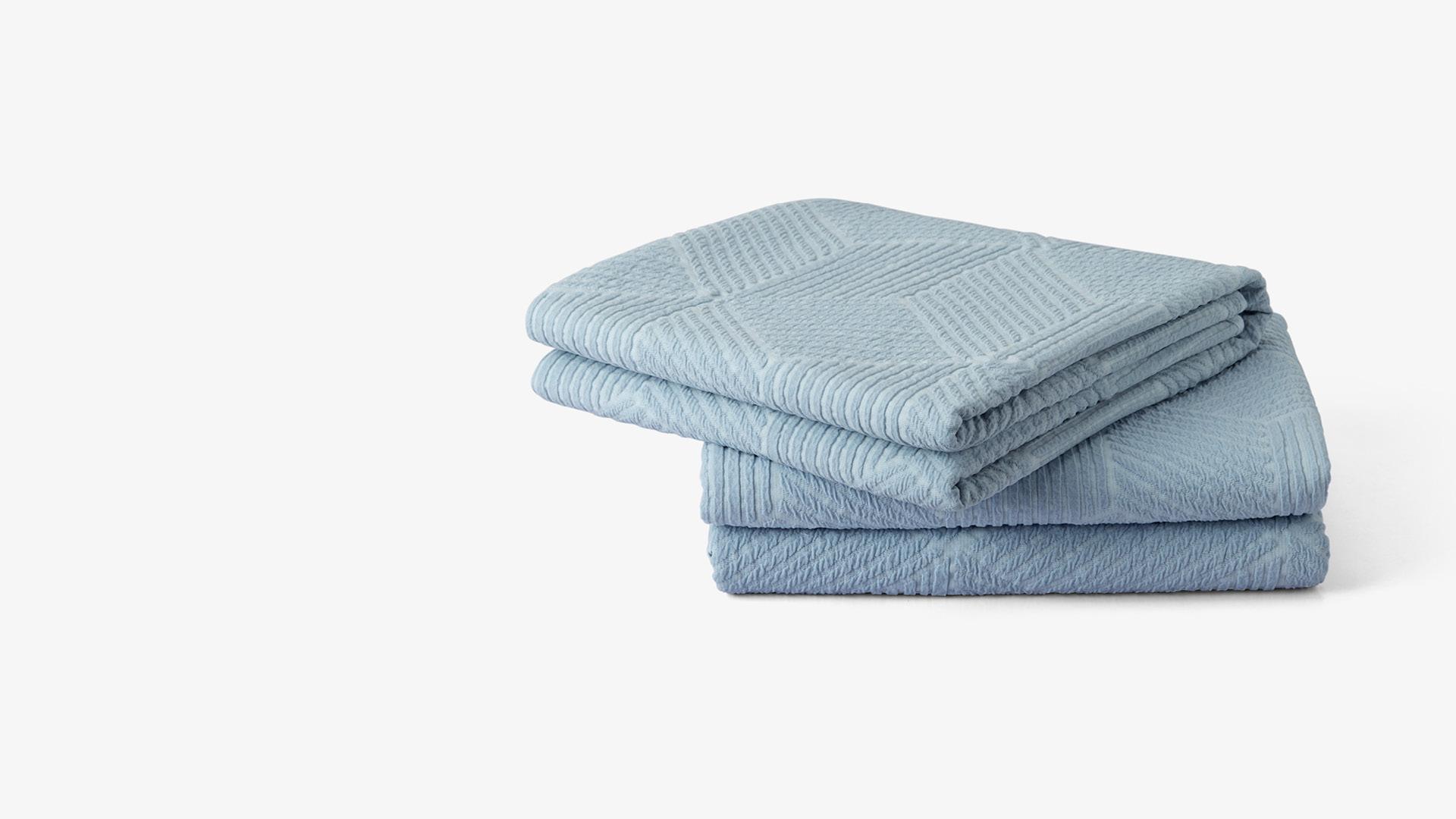 可以直接盖的四季被<br/>兼有床盖、休闲毯、沙发垫等功能