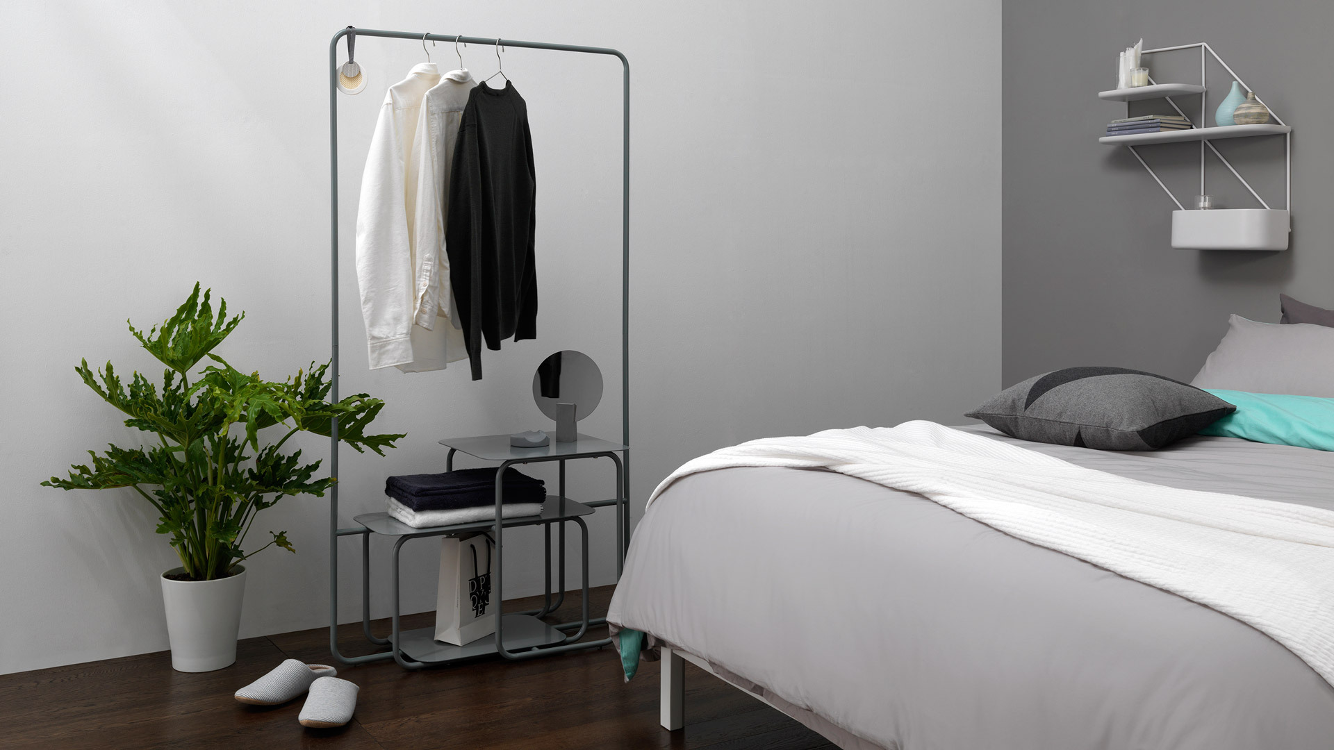 闲置的床侧,让衣帽陈列更有型