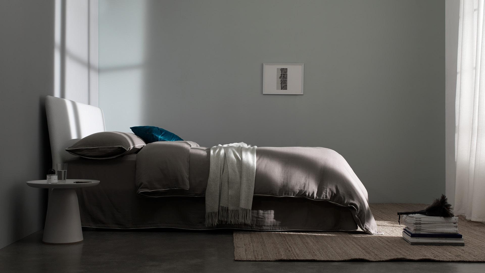宁静浅棕,托起卧室如水清凉