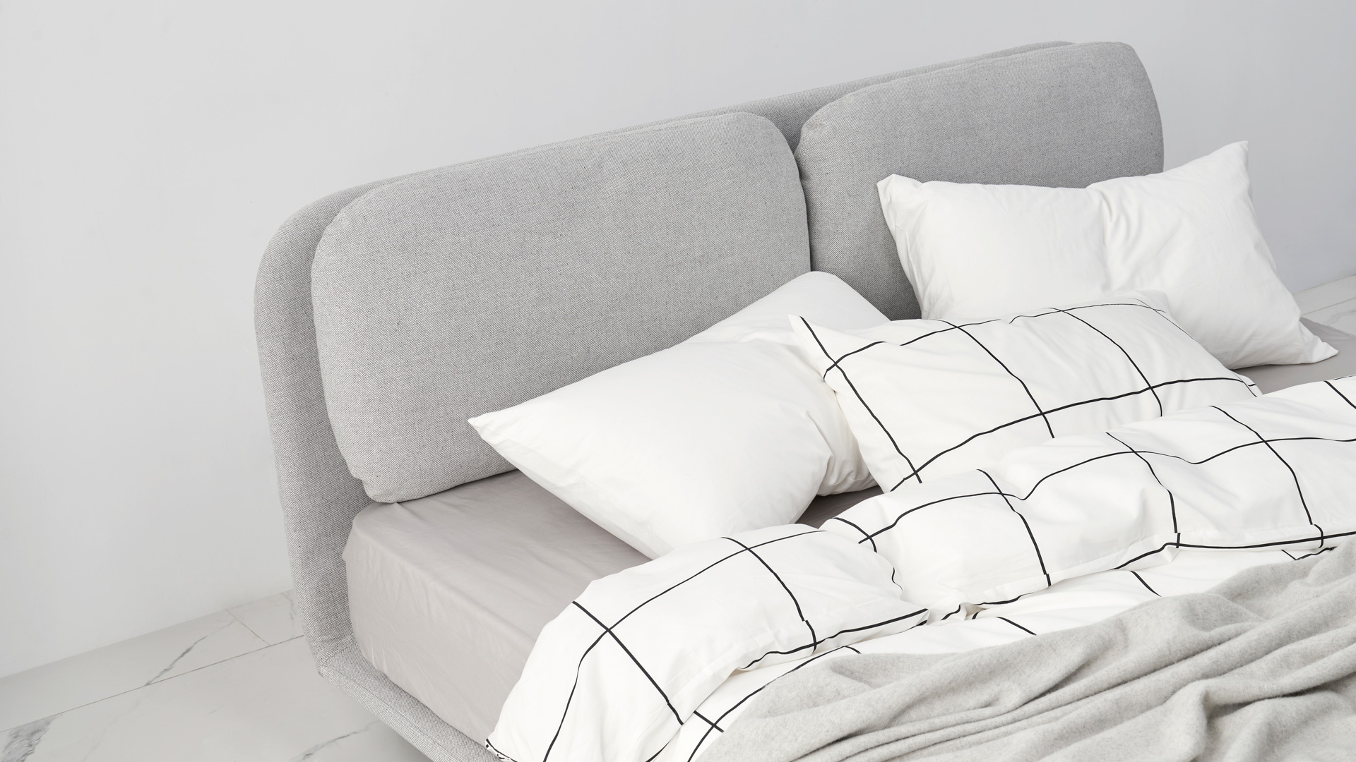 是舒适的矮床,也是自在的休闲区