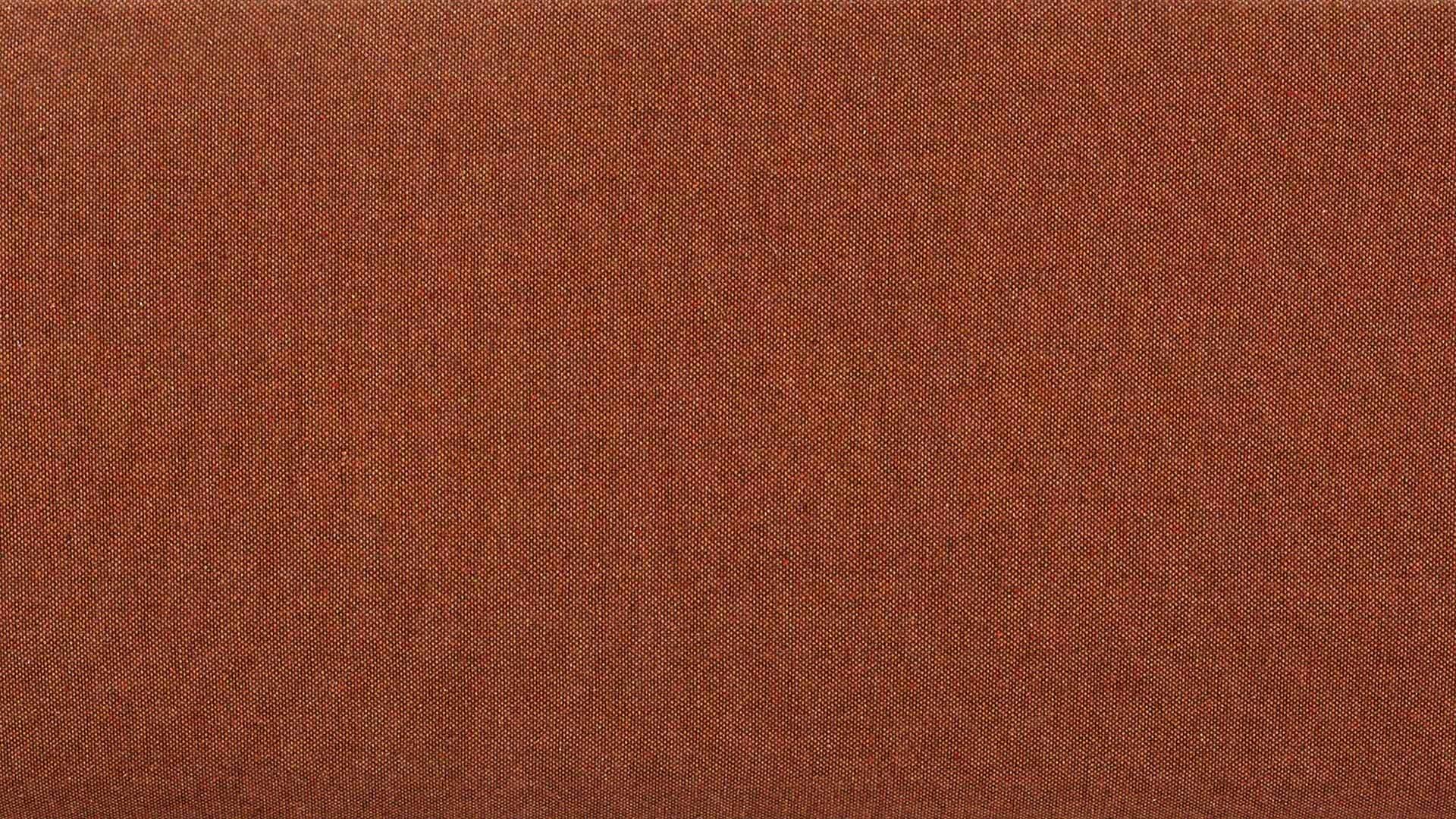 柔韧混纺面料,细密可触的质感