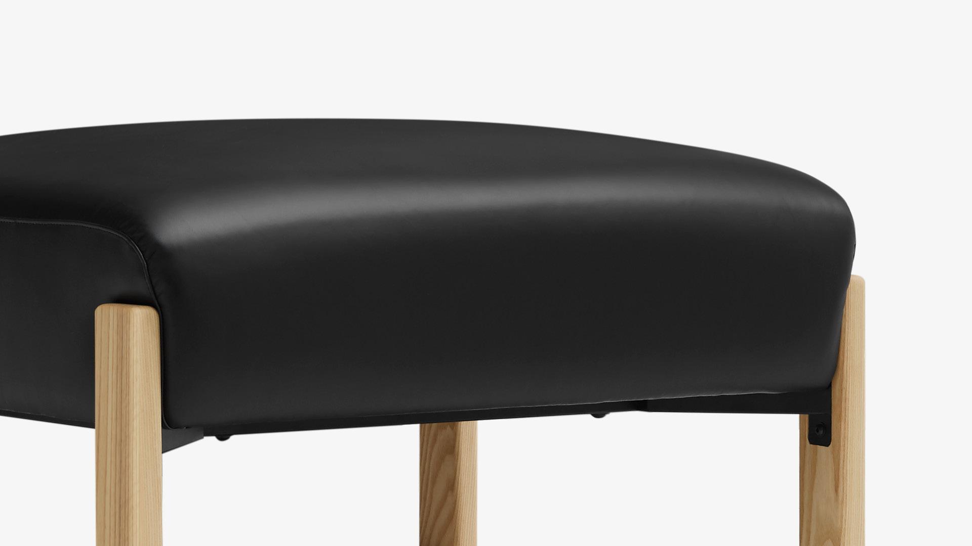 三明治坐垫结构,高回弹海绵,久坐不凹陷