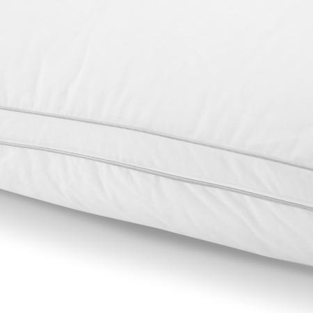 3mm灰色本布滚边和双排白色棉线精致包边,达到美观和防止跑绒的双重目的