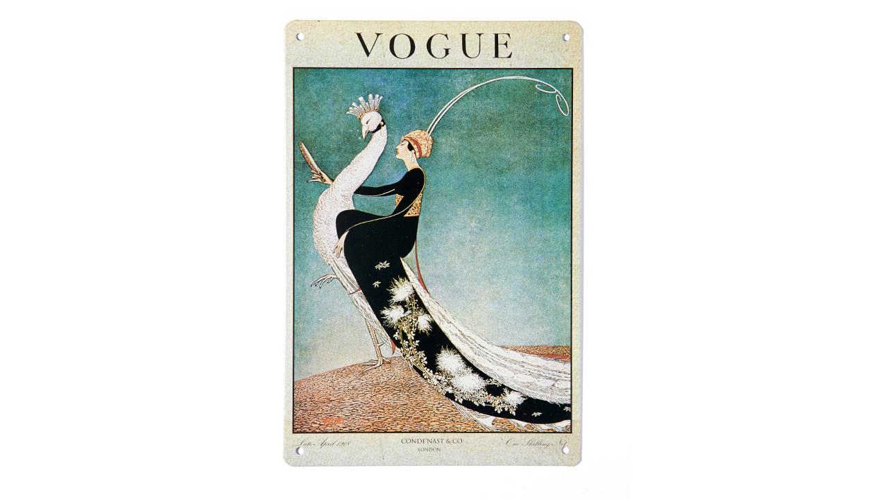 ▲ Vogue百年经典插画 小尺寸铁皮装饰画