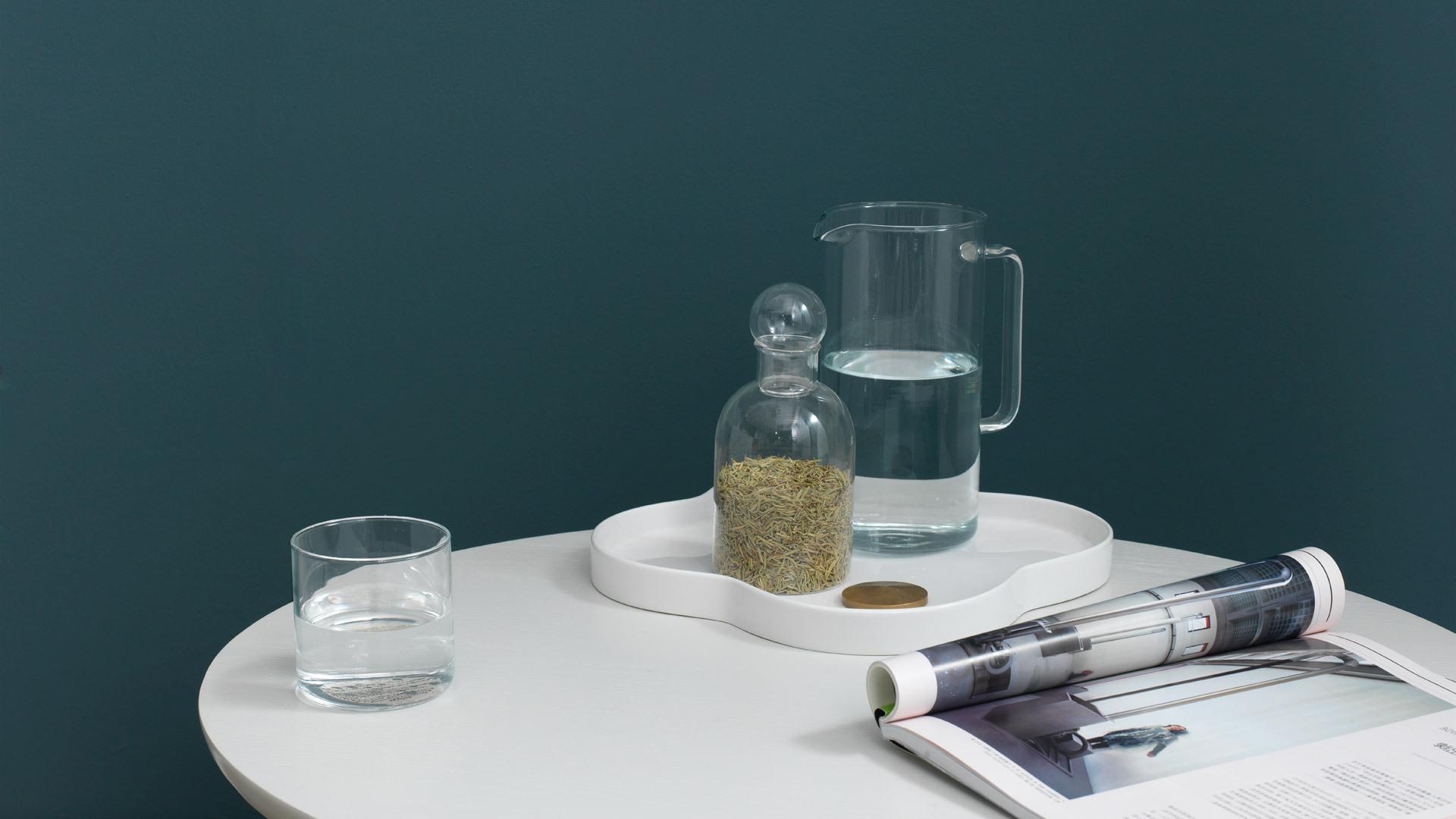 温润简洁,休闲时刻的桌边储物