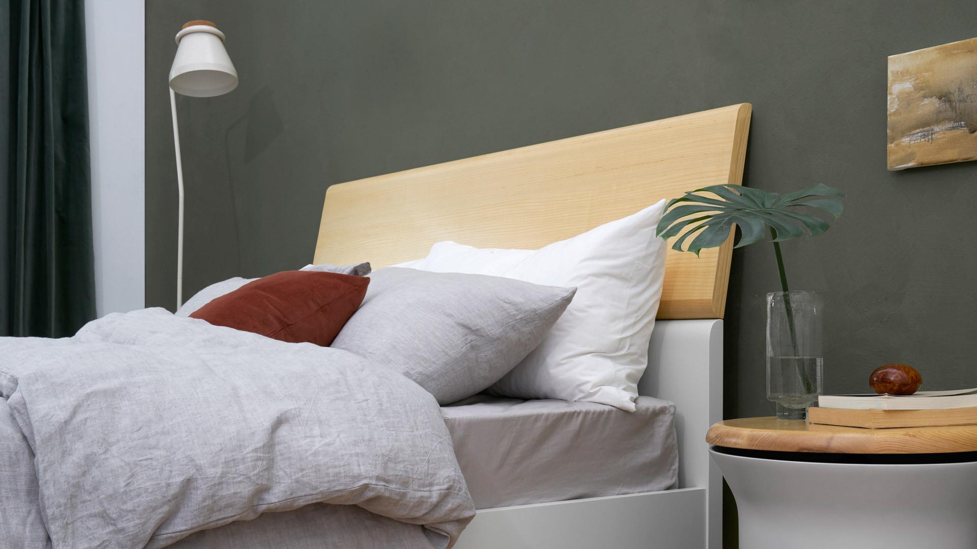 170°倾斜床头,贴墙支撑更稳定