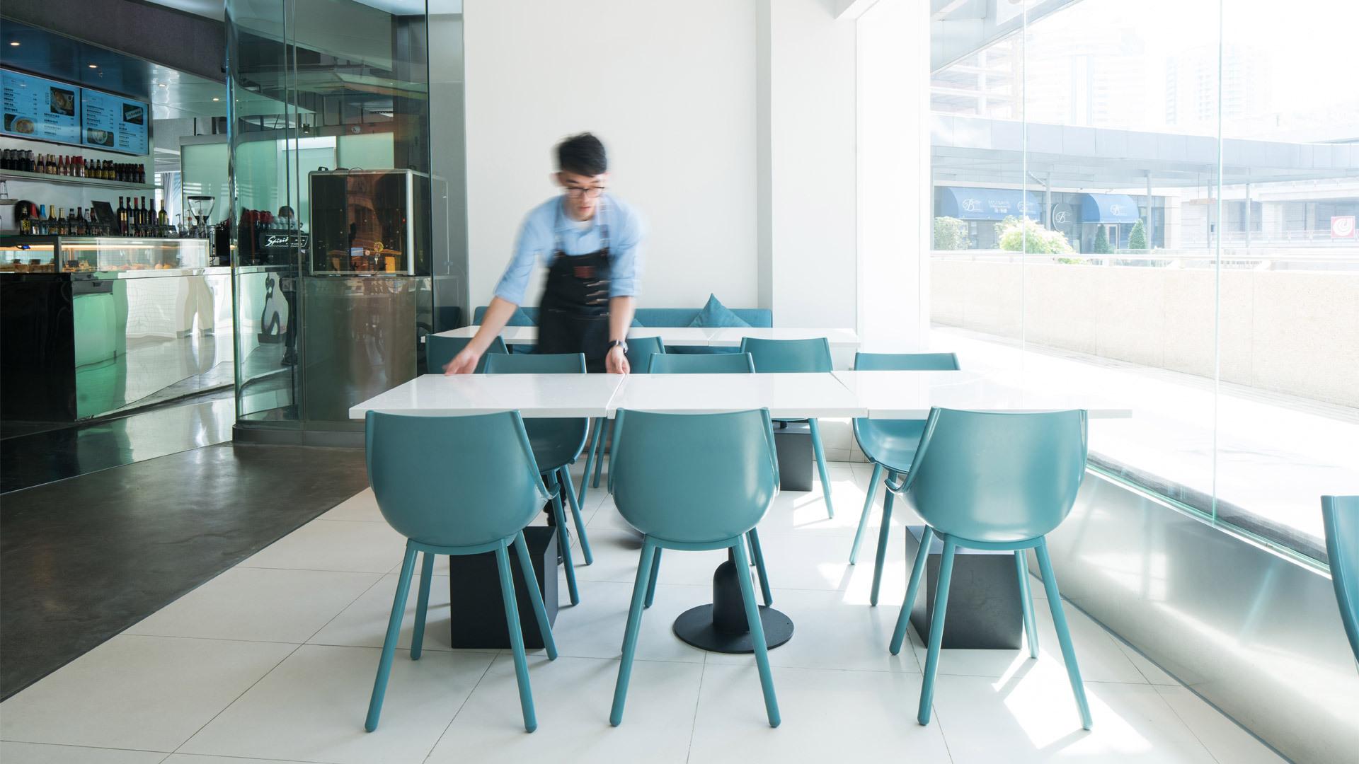实景示范,纯白餐厅的清爽绿意