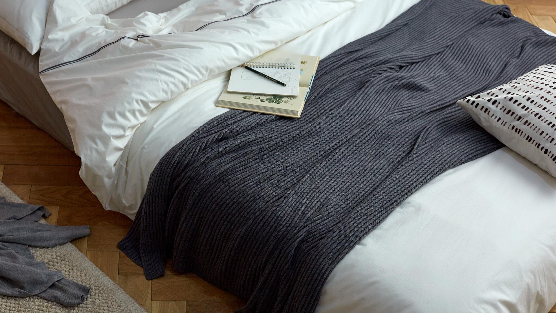 是简洁单人毯,也是妈妈手温的甜蜜回忆