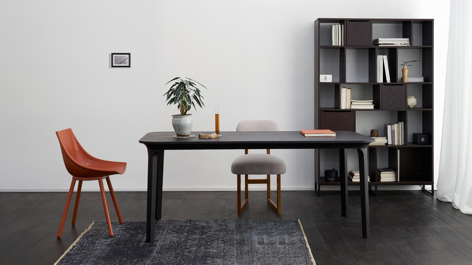 1.8米长餐桌,餐用工作兼备