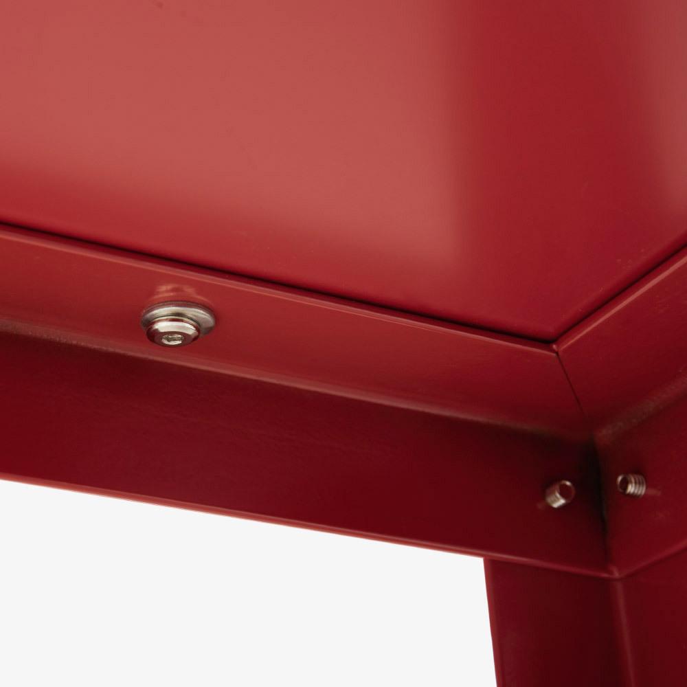 桌底光滑漆面<br/>更便于日常清潔