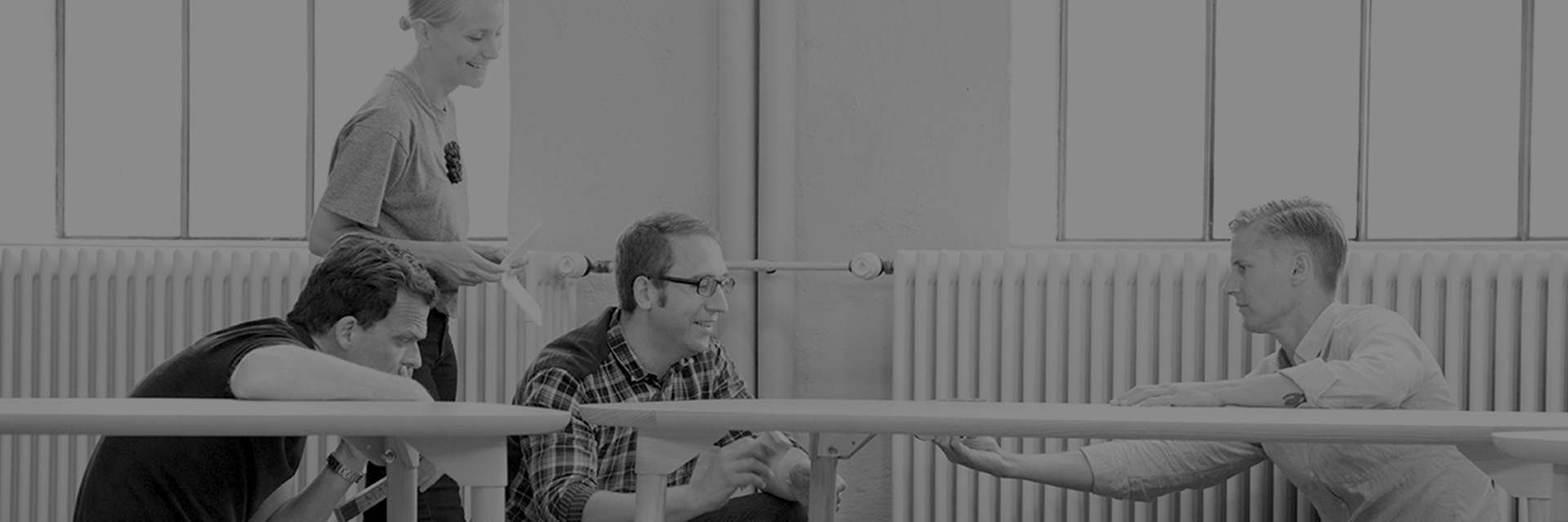 "Note Design Studio,来自瑞典的设计团队,2008年成立于斯德哥尔摩。""To note something, To get noted"",Note,是一种关注,对生活。他们来自斯堪的纳维亚半岛,对于Note来说,追求的风格并不单一,在这里,存有更多融合,在极简与表达之间,他们希望创造的是一个舒适的环境,去满足你慵懒的小习惯。 目前,工作室共有7位成员,分别担当不同的职能,面对一个项目,并没有一个固定的工作流程,也许一切皆有可能,平面设计师可能也会去做一个建筑项目,""我们需要新的、开阔的视野去做每一个项目,并找到每一个它们的独特之处。"""
