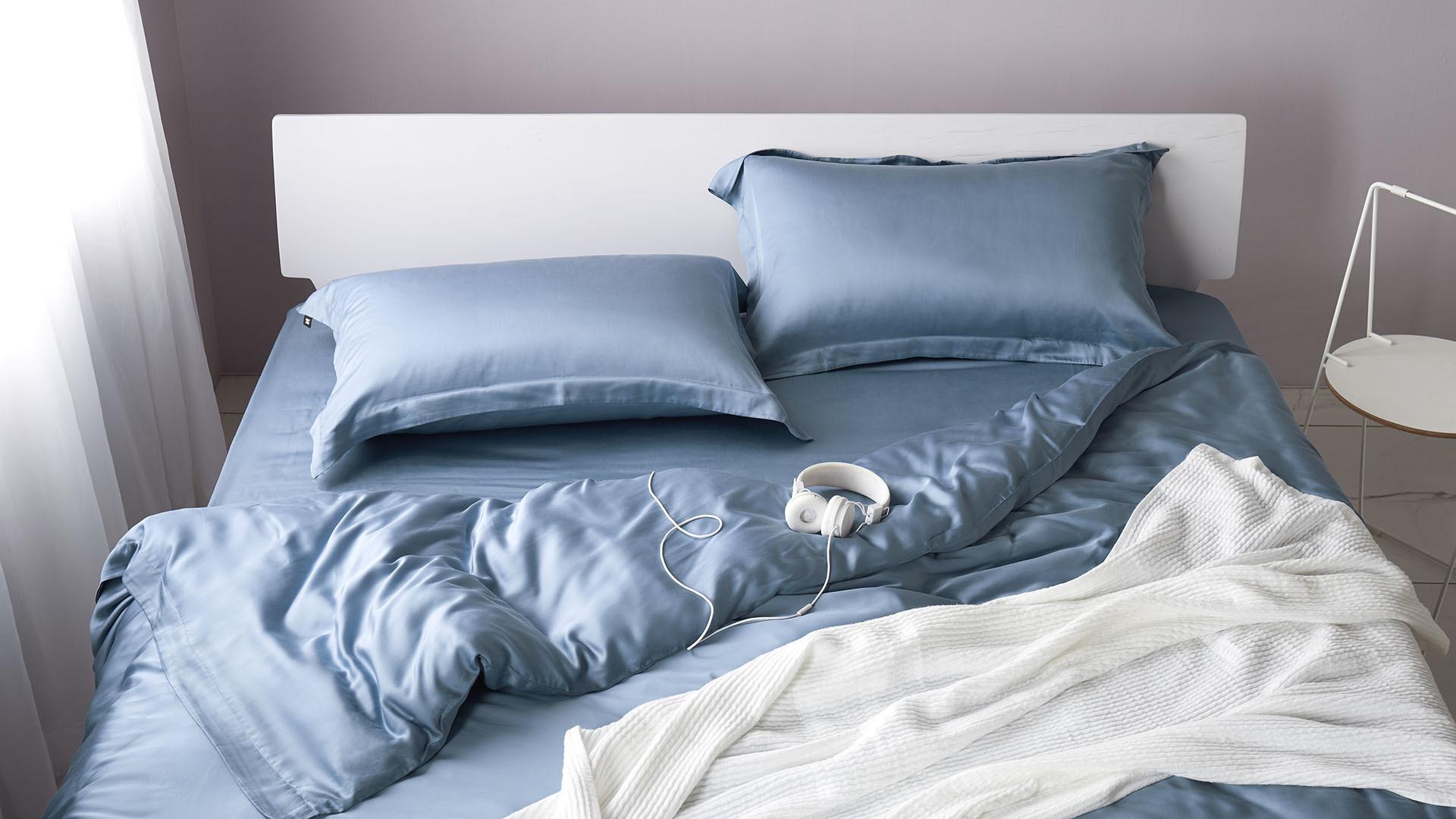 活力毛茛蓝,假日赖床的丝滑休闲角