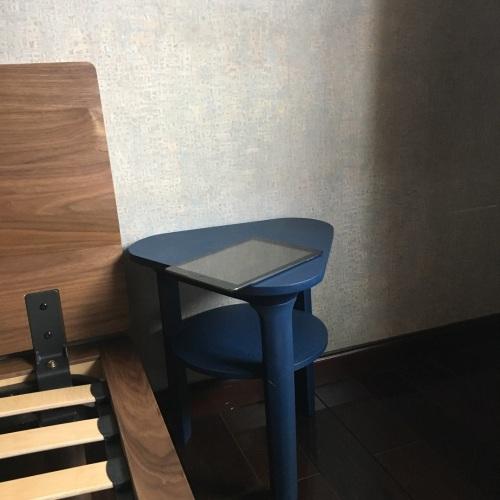 Xióng_瓦檐边桌三角形边桌怎么样_1