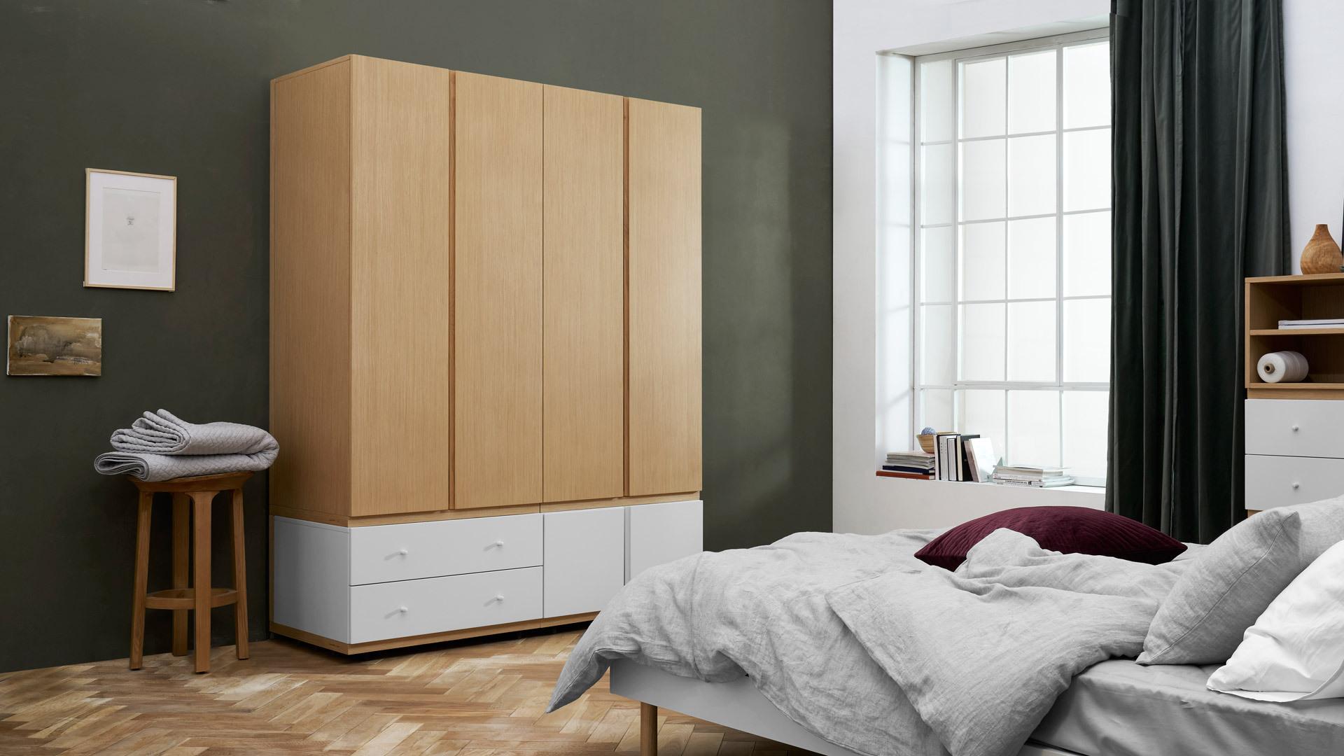 暖木调4门衣柜,让卧室再暖一点
