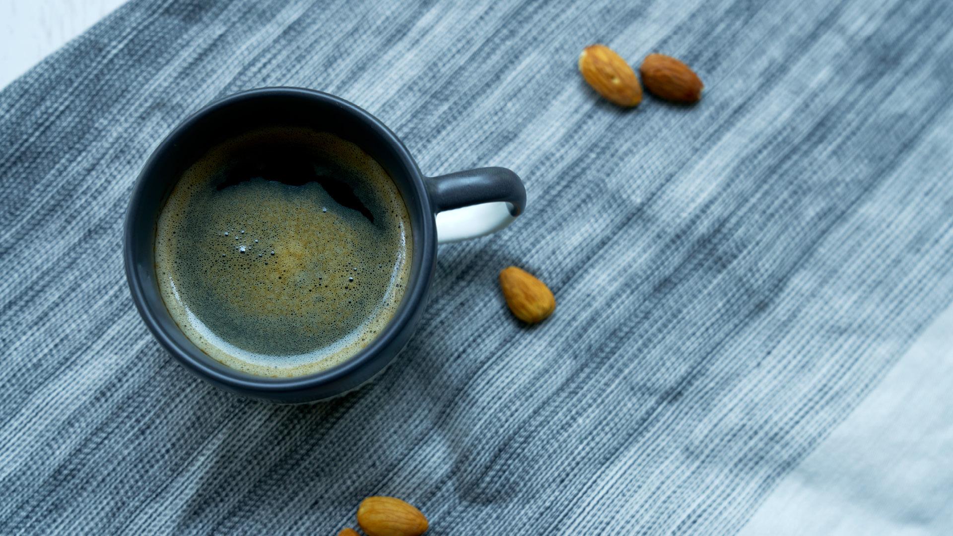 午间醇厚咖啡,驱散一身疲惫