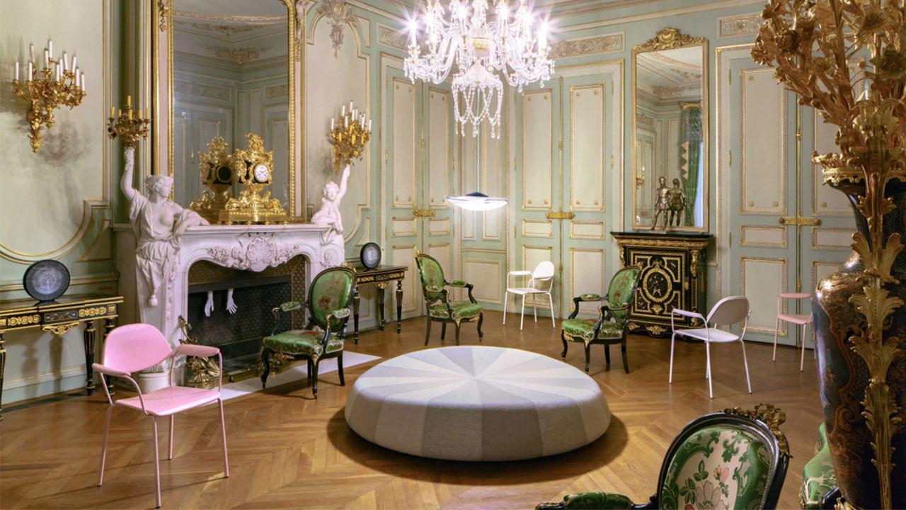 1场展览,10出戏剧,百合椅对话法国18世纪古老酒店