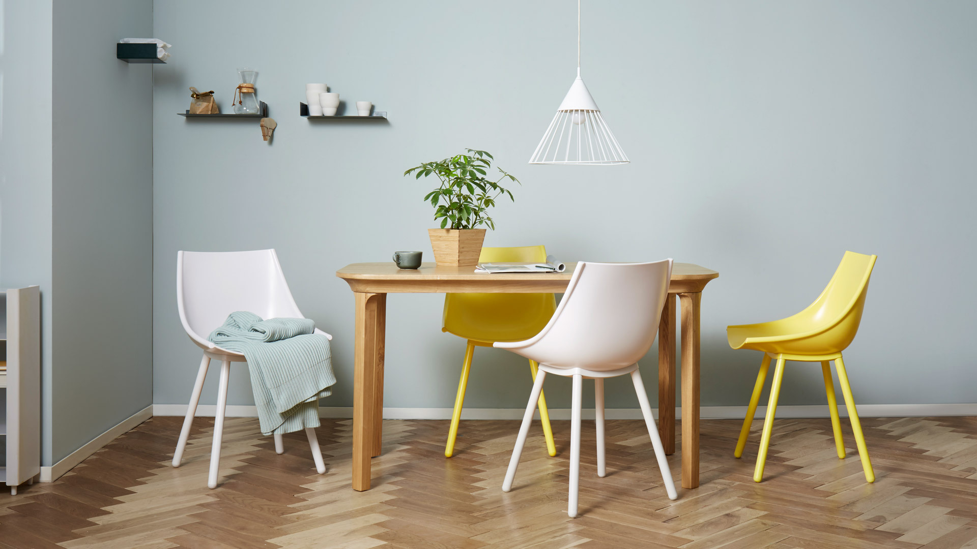 1.3米餐桌,4-6人围坐的畅聊宴饮