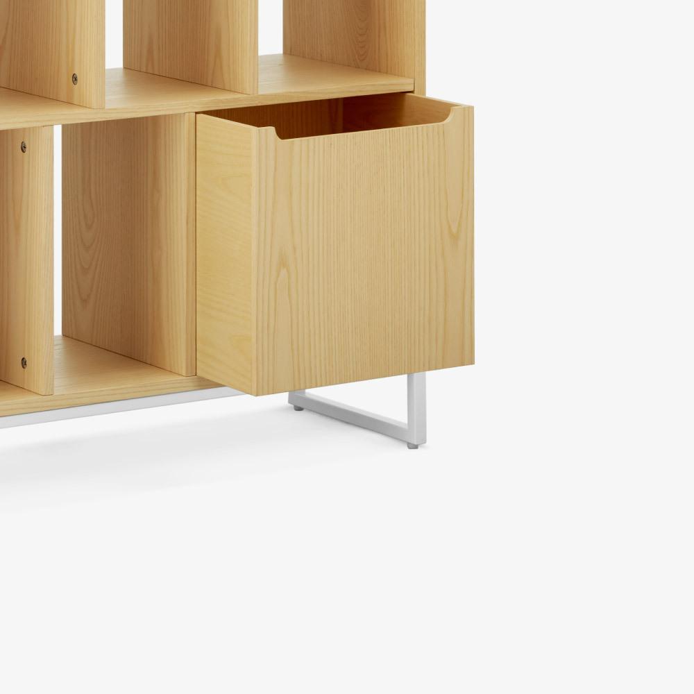 大小儲物盒<br/>配合背板更安全