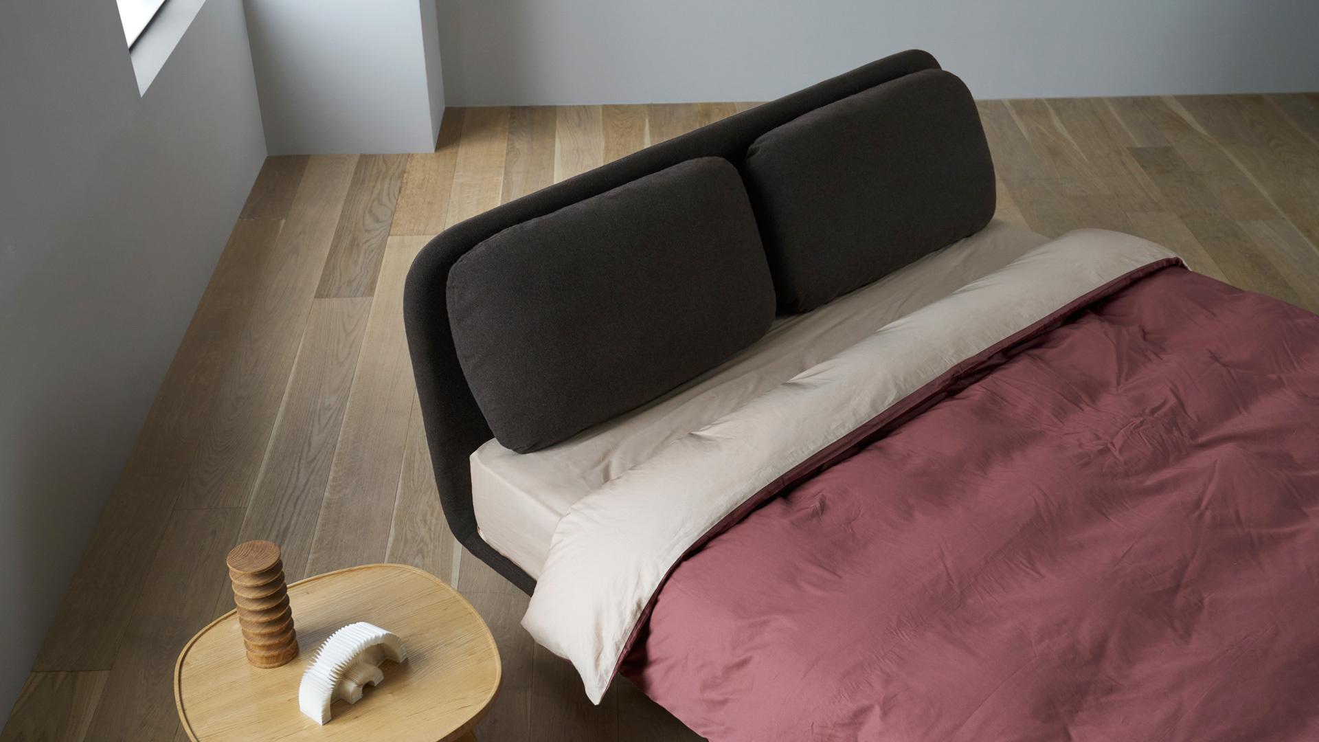 分量感灰棕格,让卧室温和沉静