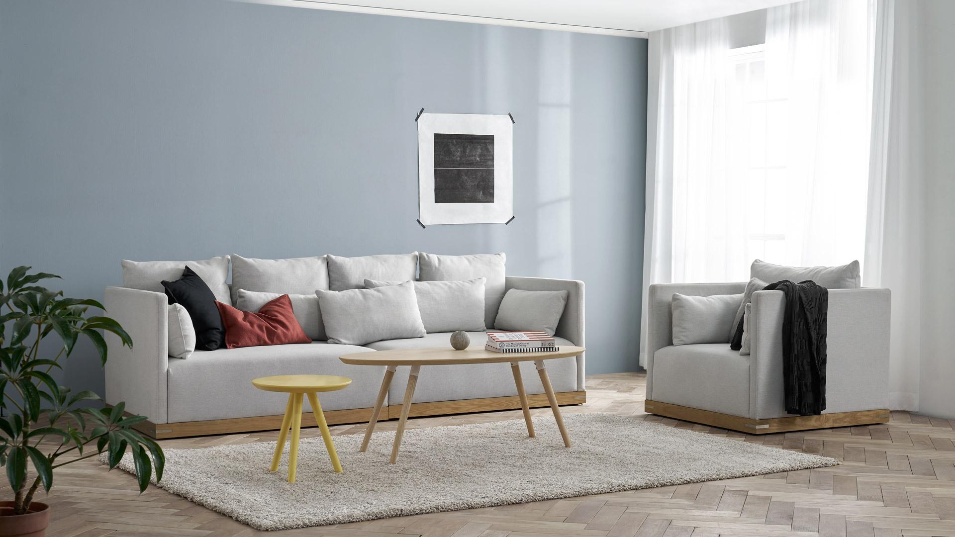 清亮客厅的一抹柔和木色