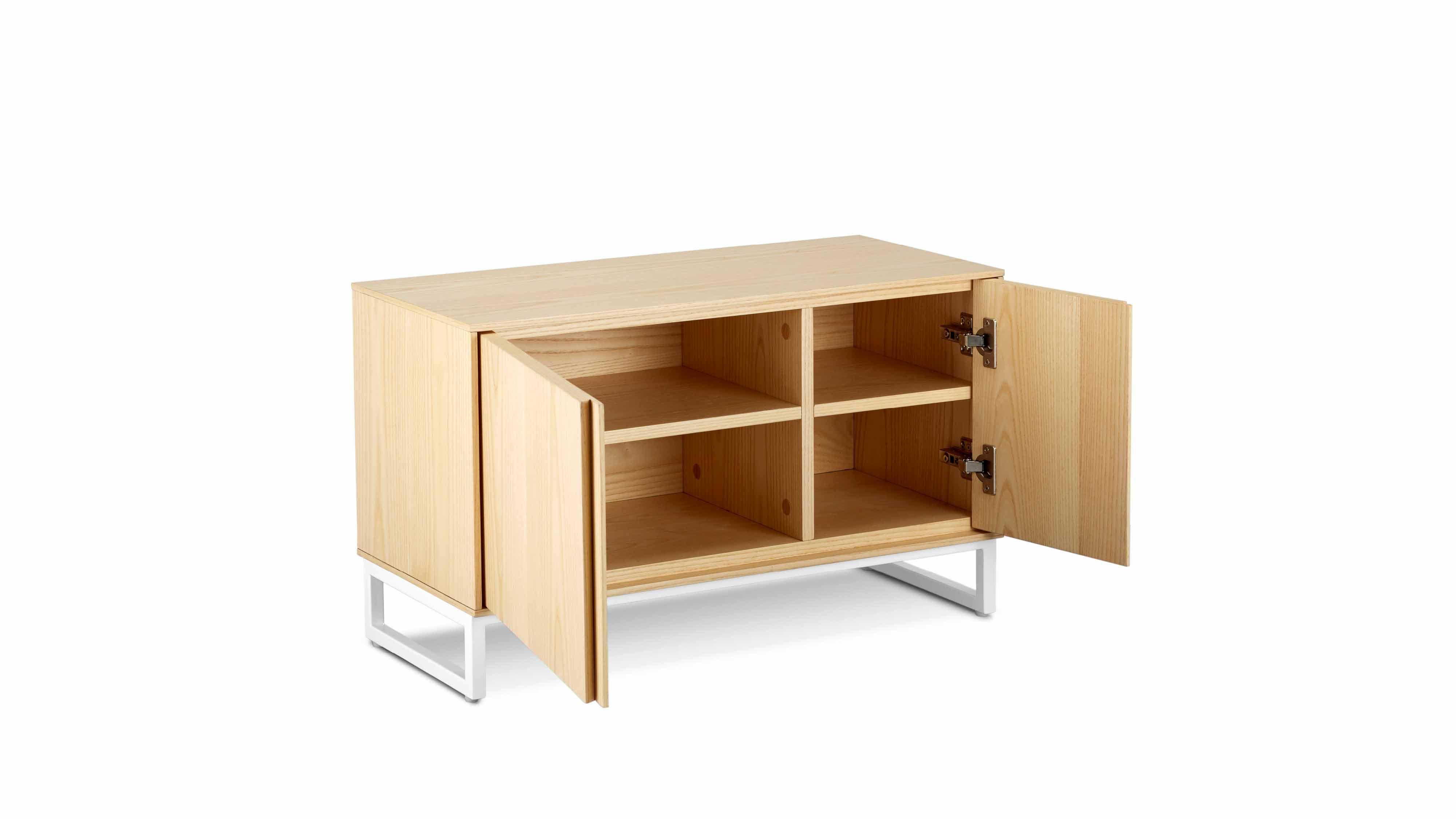 """与造作""""画板套系""""的匿名性设计理念一脉相承,极简的线条,适中的体量,轻盈的姿态,温暖的木作质感,放在任意空间的低调鞋柜。?x-oss-process=image/format,jpg/interlace,1"""