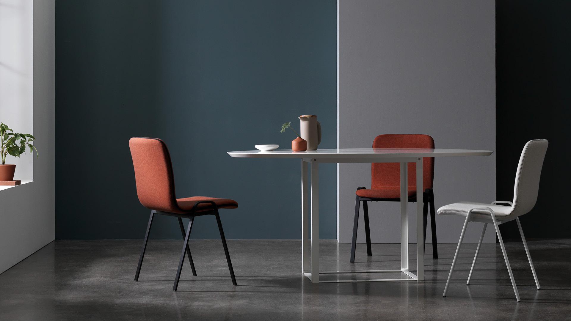 红白餐椅,让用餐氛围更灵动