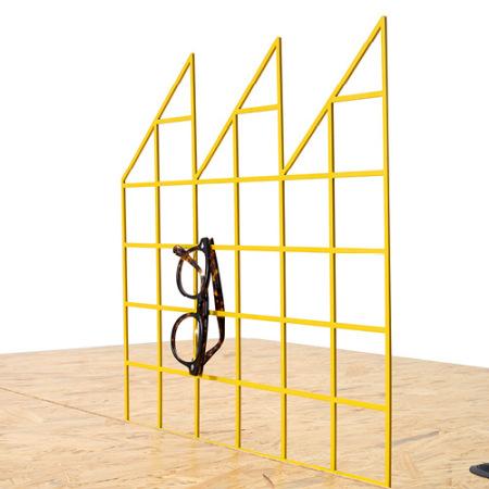 谷黄色格子屏风,点缀粗犷桌面的一条清新几何线,单/双人位是否组配屏风,均可自由选购