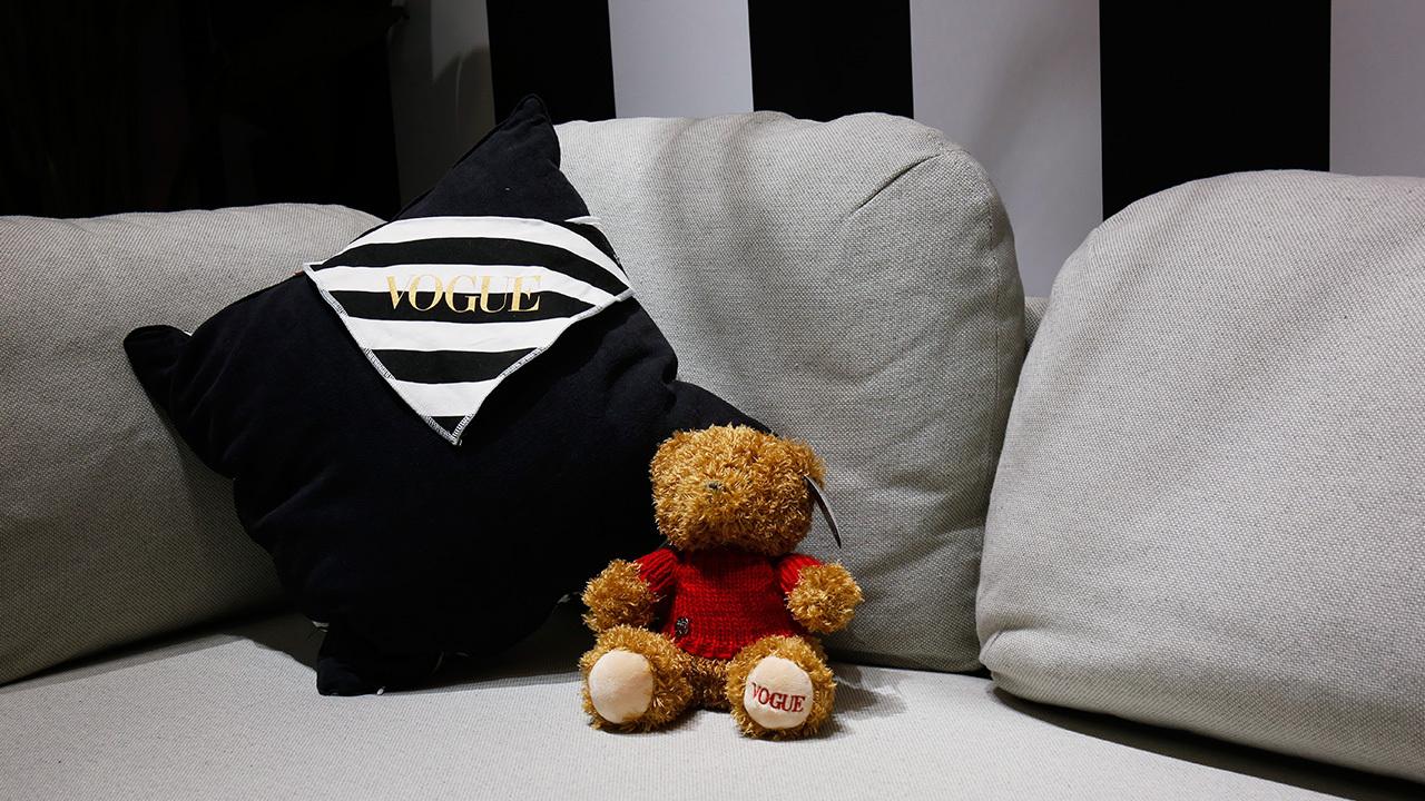 ▲ Vogue泰迪熊与造作云团沙发