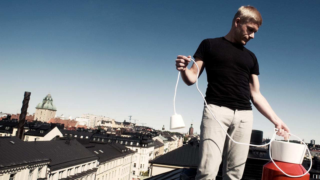 """▲  造作中国独家签约的Jonas Wagell,来自斯德哥尔摩的备受尊崇的设计师,他以""""丰盛的简约""""为设计理念,为造作独家设计了云团沙发、瓦格等标志性作品"""