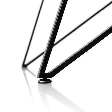圆形调节脚垫,加强桌体稳定性,保证桌腿不划伤地面