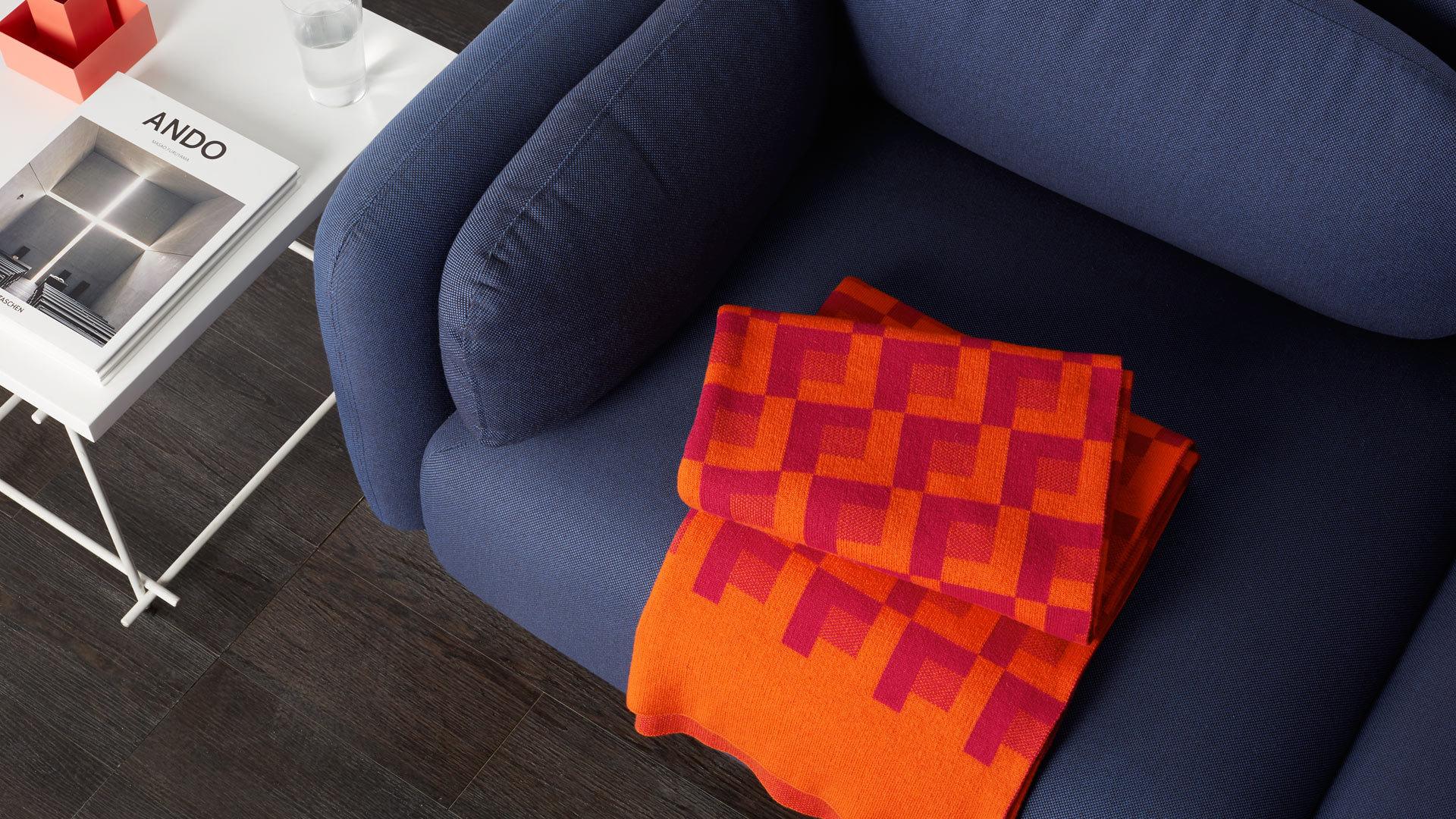 迷幻桑橙,跳色荧光的时髦亮彩