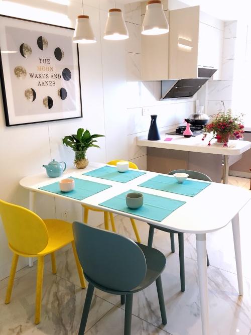 月色江南对画板餐桌-长桌 1.6米发布的晒单效果图及评价