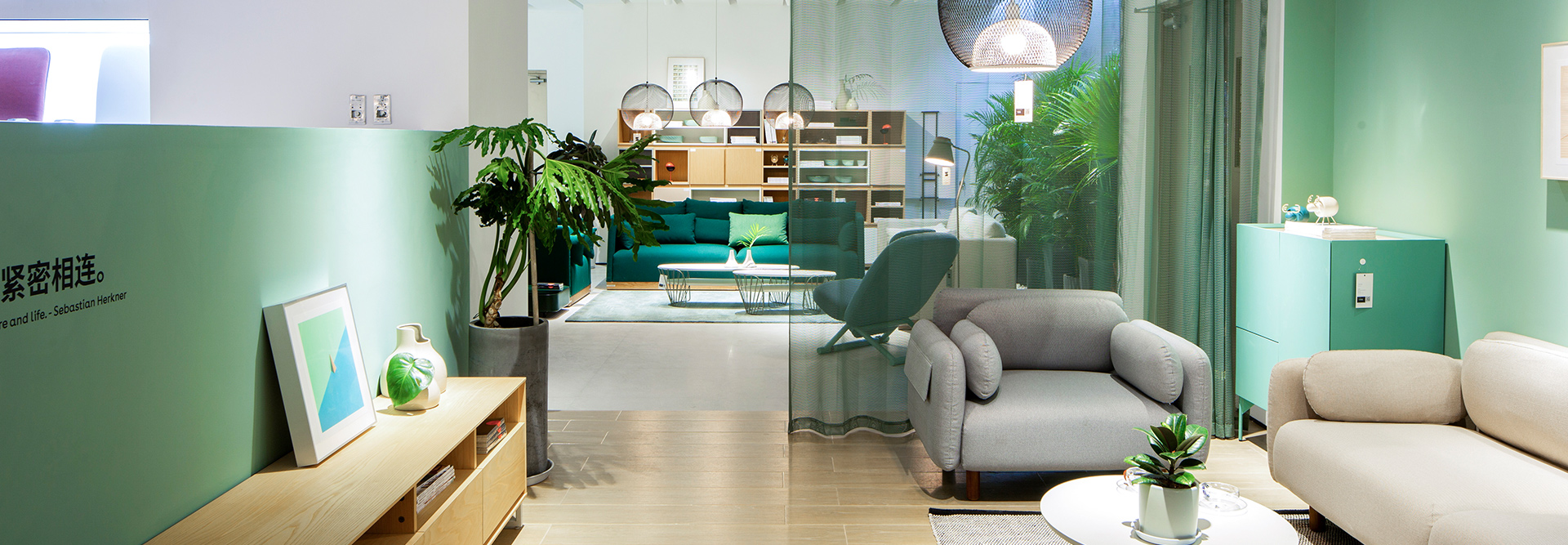 清亮薄荷绿、静谧雾霾蓝,实体店的N种打开方式