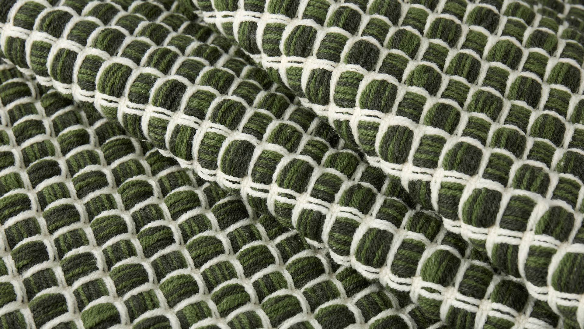 酥糖造型灵感,撞色编织<br/>给空间明亮装饰