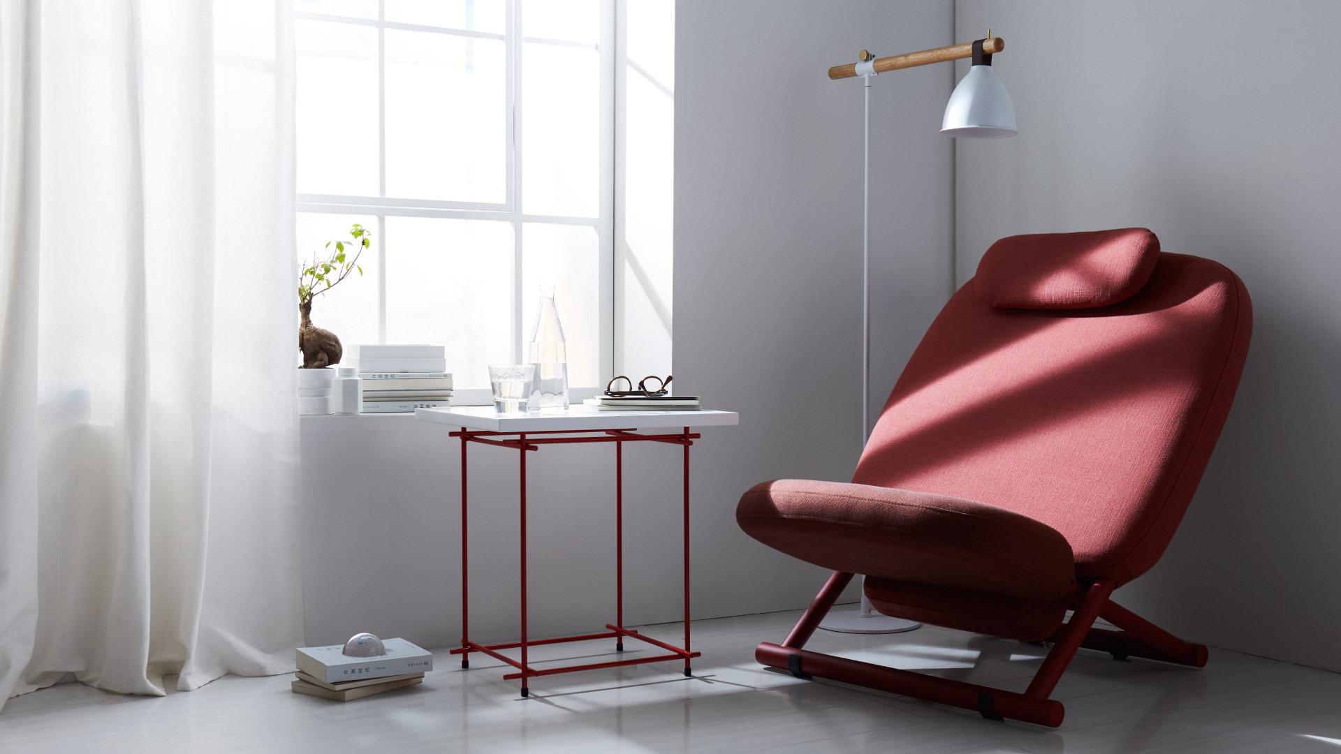 选择一件心仪的躺椅本身就是一个令人愉悦的过程。躺椅满足了坐与躺的双重功能,在疲惫之时,放下书本,或发呆冥想,或安然小憩,享受忘我时光。