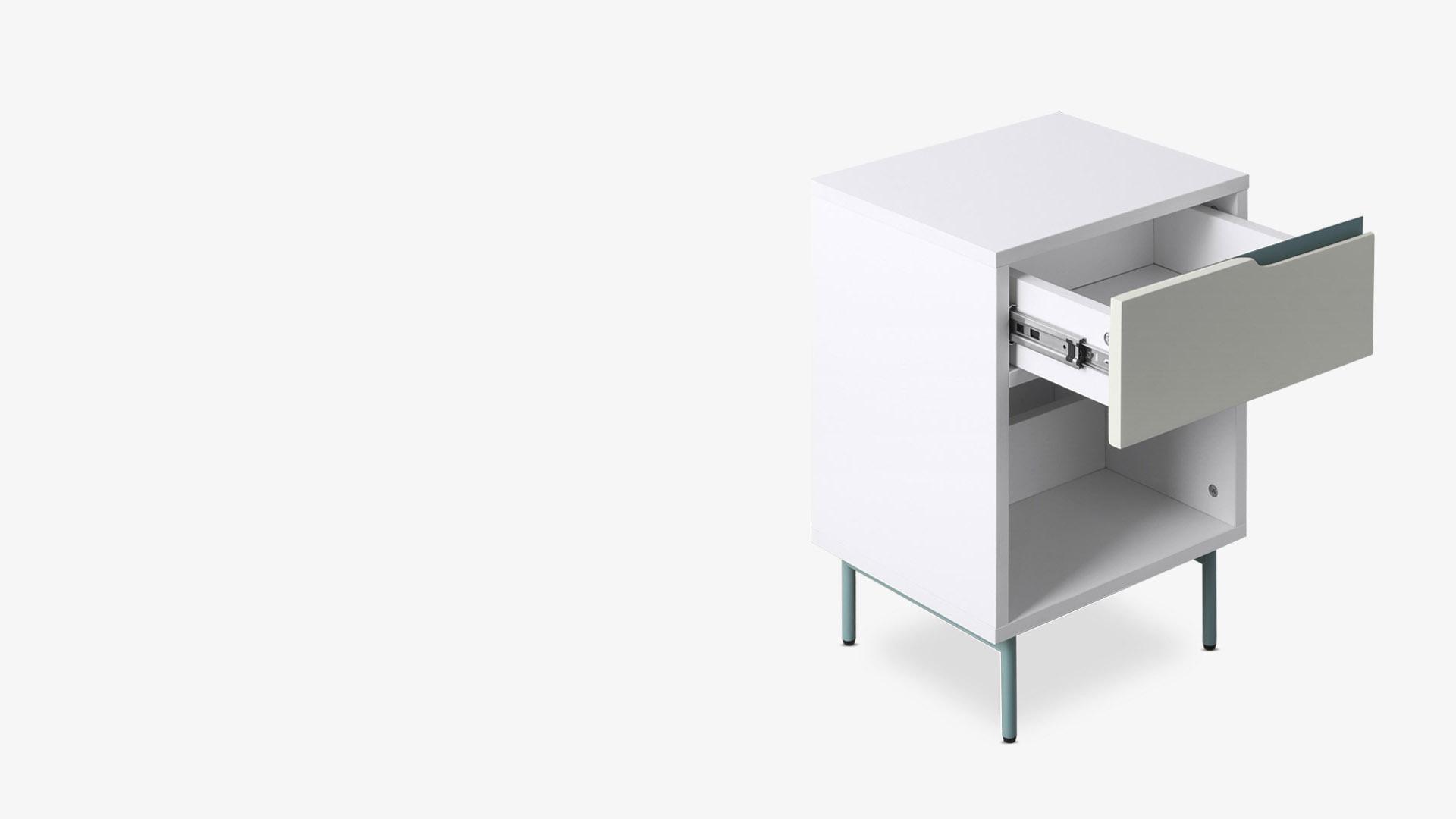E0级环保板材+撞色金属<br/>小于0.5mm组件精细