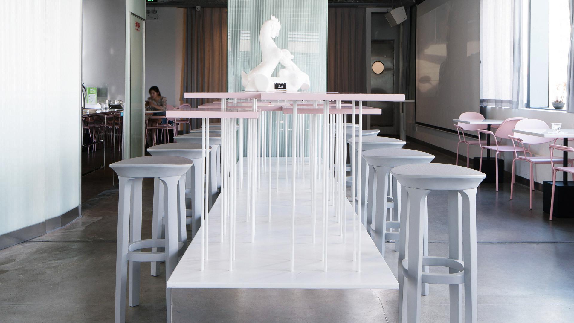 实景示范,前卫咖啡馆有型入座