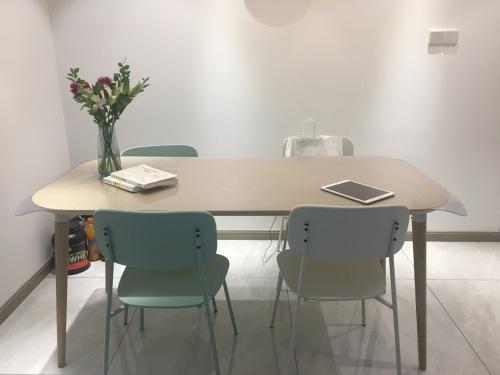 珊珊对画板餐桌®-长桌 1.6米发布的晒单效果图及评价