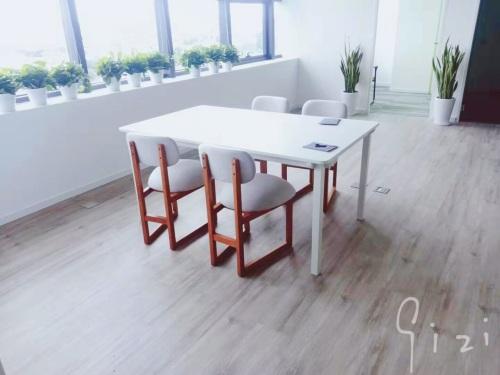 180****7778对山雪长桌 1.2/1.6米发布的晒单效果图及评价