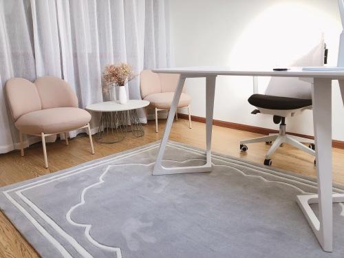 叶小姐对小圆领沙发椅®发布的晒单效果图及评价